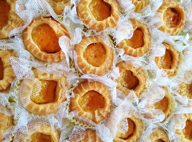 Историю этого замечательного пирожного, которое по праву является кулинарной достопримечательностью португалии можно прочитать в этой статье.